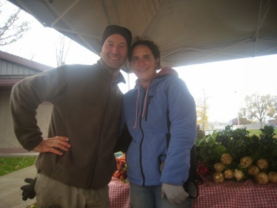 ryan and maree pesch at farmers market